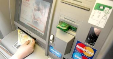 Atac la bancomatul dintr-un supermarket din Năvodari