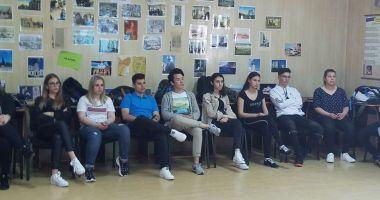 """Atelierul """"Votul meu contează!"""", la Colegiul Național """"Mihai Eminescu"""""""