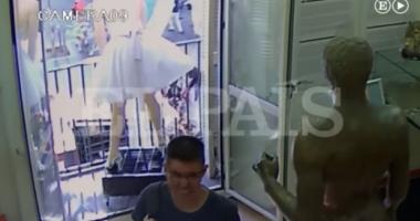 ATAC TERORIST ÎN BARCELONA. Momentul în care furgoneta a intrat în mulţime a fost FILMAT VIDEO