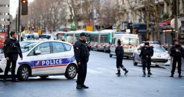 Atentat dejucat în Franţa: Trei kilograme de exploziv, arme şi un drapel al SI,  în posesia suspecţilor arestaţi