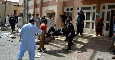 Atentat sinucigaş soldat cu moartea a şase poliţişti din Pakistan