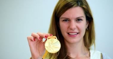 Atleta Alina Rotaru, premiată pentru aurul de la Universiadă