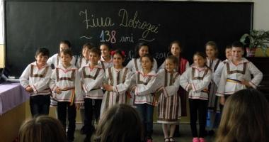 Au sărbătorit Dobrogea prin port popular, la şcoala din Murfatlar