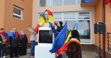Cum au marcat elevii şi profesorii ziua poetului Mihai Eminescu