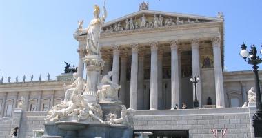 Austria, ostilă extinderii zonei euro dorită de Jean-Claude Juncker