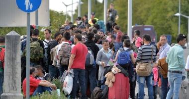 Austria vrea să se retragă din acordul UE  privind relocarea de migranţi