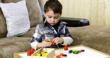 Peste 400 de copii cu autism, la Constanța