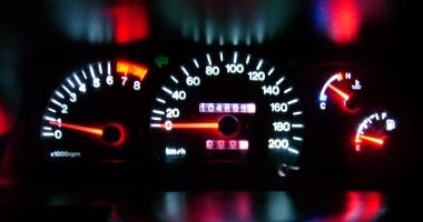 Minciuni sfruntate: 6% consum de benzină. Dacă mergi cu 90 km/h, amănuntul uitat…
