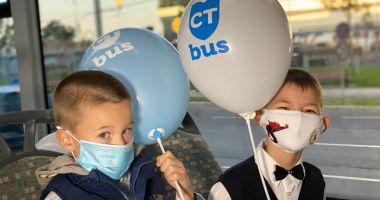 Autobuzele şcolare au reintrat pe traseu. Ce unităţi sunt deservite
