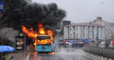 Un copil de 11 ani a incendiat  autobuzul unei �coli evreie�ti