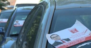 """Maşini din Constanţa, """"vandalizate"""" cu afişele lui Ponta. Reacţia PSD"""