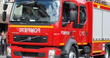 Incendiu violent într-un bloc de 10 etaje. Focul a pornit de la LIFT