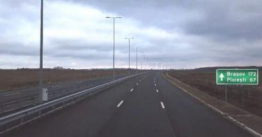 Ministrul Transporturilor şi directorul general CNAIR: 180 de kilometri de autostradă, daţi în trafic până la sfârşitul anului