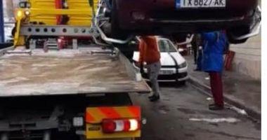 Continuă acţiunea de ridicare a maşinilor abandonate în Constanţa