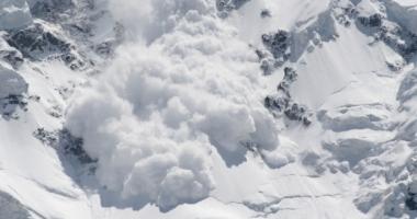 Căutările bărbatului prins de avalanşă, sistate din nou, fără rezultat