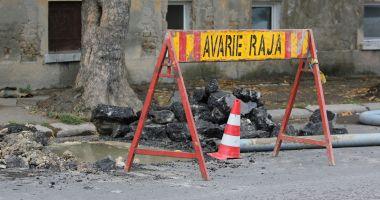 Atenţie, constănţeni! Trafic blocat pe strada Soveja. Se lucrează la conductele de apă