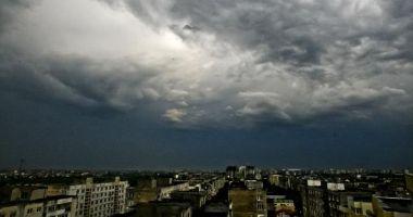 ANM: Informare meteo de instabilitate atmosferică la nivelul întregii ţării!