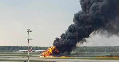 """VIDEO / Noi imagini cu tragedia aviatică din Rusia. Piloții, acuzați că """"nu știau să aterizeze fără autopilot"""""""