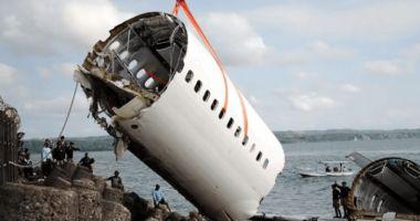 Fuzelajul avionului prăbuşit în Indonezia, localizat