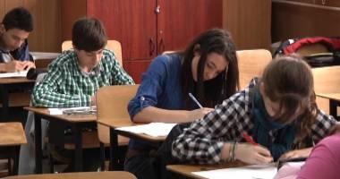 Bacalaureat 2015. Absolvenţii claselor  a XII-a susţin proba orală
