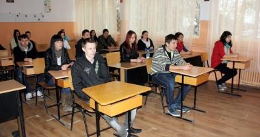 10 elevi constănţeni pot susţine Bac-ul mai devreme