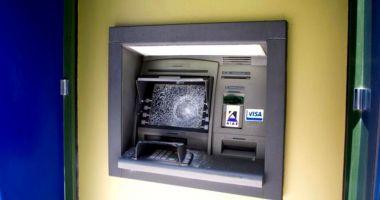 Persoanele care au aruncat un bancomat în aer au fost prinse. Cine a furnizat informațiile