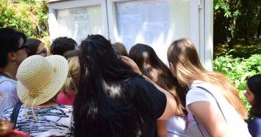 Bani pentru elevii  cu media 10  la examenele naţionale