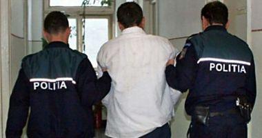 Bărbat reținut pentru furt calificat și conducere fără permis