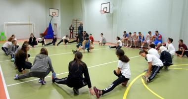 Obezitatea juvenilă, combătută prin jocul de baschet