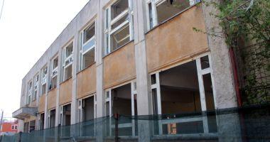 Dispută pe demolarea unei clădiri din Coiciu.