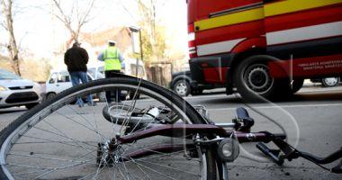 Accident pe strada Suceava. Un biciclist a fost lovit de autoturism