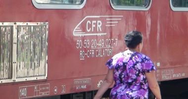 Tot mai mulţi călători  cumpără online biletele la tren