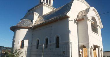 Duminică, slujbă de sfințire a unei noi biserici