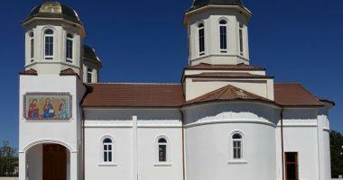 IPS Teodosie sfințește biserica din comuna Horia