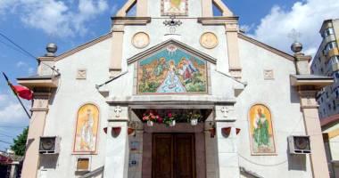 Cu dezlegare de la Elena Ceauşescu! Biserica scăpată de buldozerele comuniste