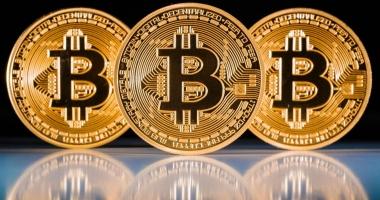 Bitcoin, la un nou record. Se apropie de 18.000 de dolari