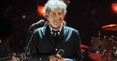 Bob Dylan își primește Nobelul în cel mai mare secret