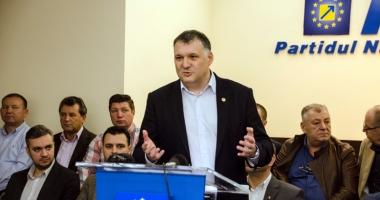 Cu ce echipă porneşte la drum noul lider al PNL Constanţa, Bogdan Huţucă