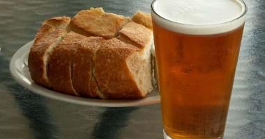 Doamne, de s-ar bea şi pâinea!