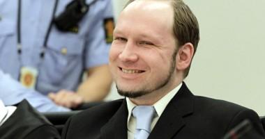 Anders Breivik a pregătit comentarii  pentru ziua în care va fi anunţat verdictul