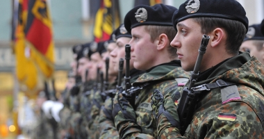 Dispute politice în Germania privind bugetul Armatei