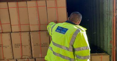 Bunuri de peste jumătate de milion de lei, confiscate în port