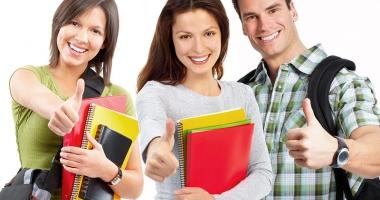 Veşti bune pentru studenţi! Vor primi burse şi în vacanţe