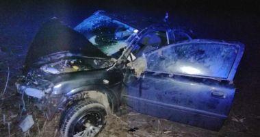 S-a răsturnat cu mașina după ce a lovit un cal
