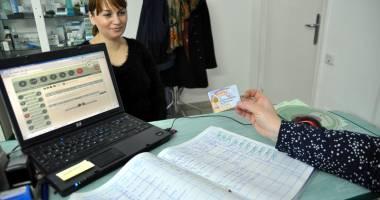 Cardurile de sănătate, blocate din nou! Medici neputincioşi şi pacienţi întorşi din drum