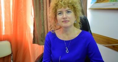 """Scandalul de la Liceul """"Madgearu"""". Camelia Marcu cere demiterea conducerii ISJ Constanţa!"""