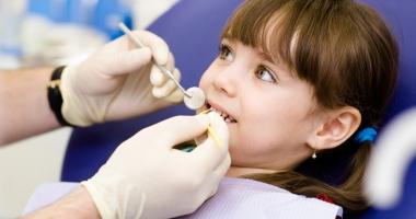 Proiect de lege  Copiii ar putea avea acces gratuit la toate tratamentele stomatologice