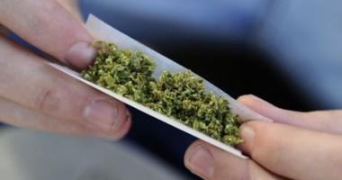 Trimis în judecată pentru trafic de droguri
