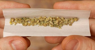 Trimişi în judecată pentru trafic de droguri