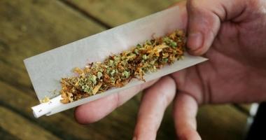 Tânăr din Bucureşti, prins cu cannabis la Mamaia
